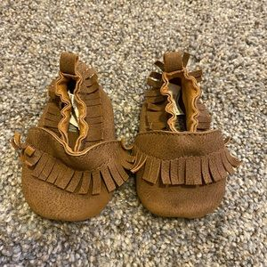 Leather infant moccasins
